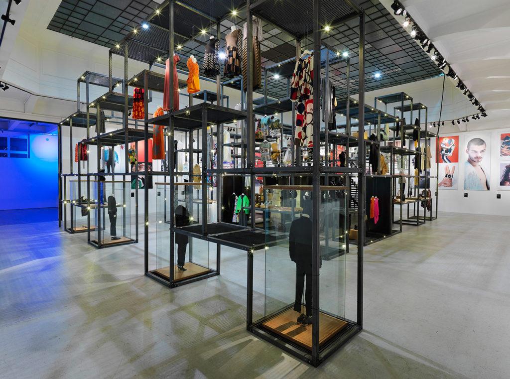 MAK-Ausstellungsansicht, 2020 SHOW OFF. Austrian Fashion Design MAK-Ausstellungshalle © Ditz Fejer/MAK SHOW OFF