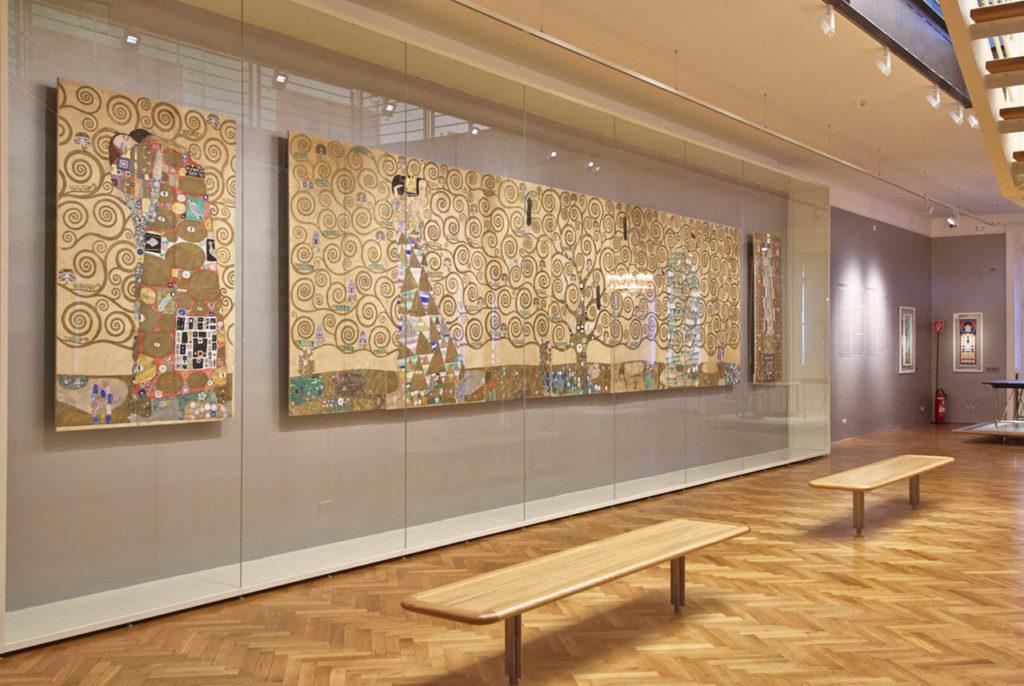 MAK-Schausammlung Wien 1900 Gustav Klimt, Neun Werkzeichnungen für die Ausführung eines Frieses für das Speisezimmer des Palais Stoclet in Brüssel, © MAK/Georg Mayer
