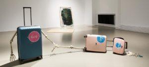 MAK-Ausstellungsansicht, 2020 CREATIVE CLIMATE CARE Sophie Gogl. Storno im Vordergrund: Sophie Gogl, Ultraviolence, 2020 MAK GALERIE © Aslan Kudrnofsky/MAK CREATIVE CLIMATE CARE