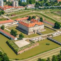 Schloss Holíč und seine Fayence- und Steinzeugmanufaktur