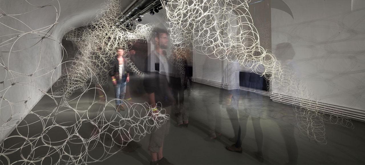 """MAK-Ausstellungsansicht, 2014 """"ANGEWANDTE KUNST. HEUTE: soma architecture. Immanent Elasticity Installation MAK GALERIE © MAK/Katrin Wißkirchen"""